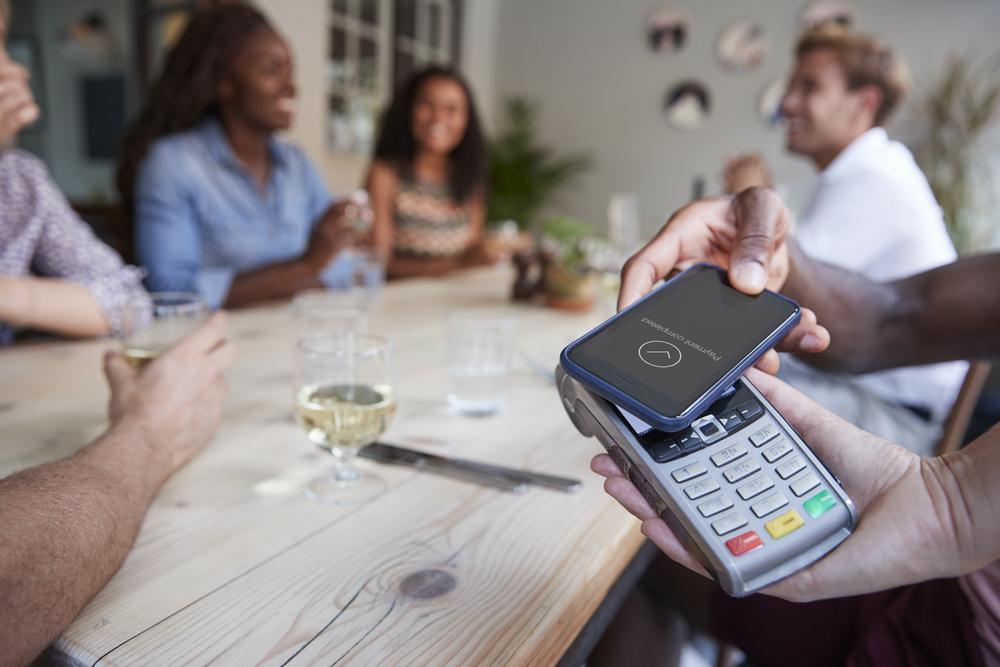 Pagar desde el móvil en un restaurante ahora es posible | Nuevas herramientas